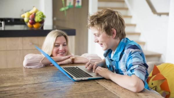 Jak chronić dziecko w sieci ?
