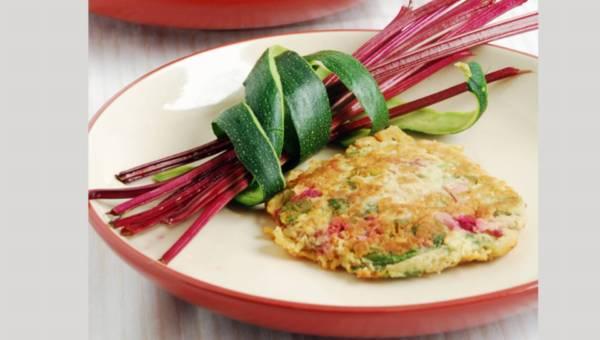 Dla wegetarian: Łatwe cukiniowe placuszki z botwiną i żółtym serem