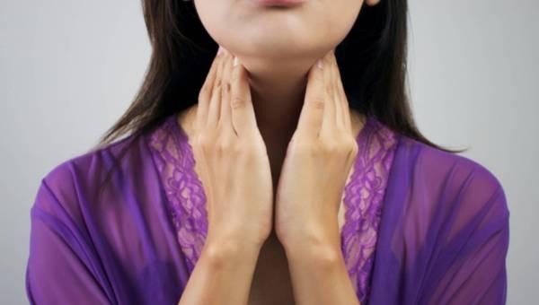 Dlaczego latem chorujemy na anginę?