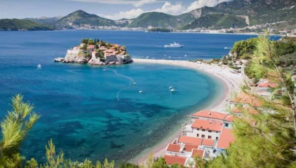 Czarnogóra – to miejsce warto wpisać w wakacyjne plany. Dlaczego??
