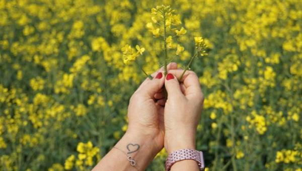Pomysły na tatuaże dla par – wzory o miłości. 40 zdjęć, które musisz obejrzeć!
