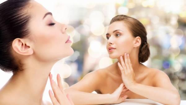 Jakich składników szukać w kosmetykach do pielęgnacji skóry szyi i dekoltu?