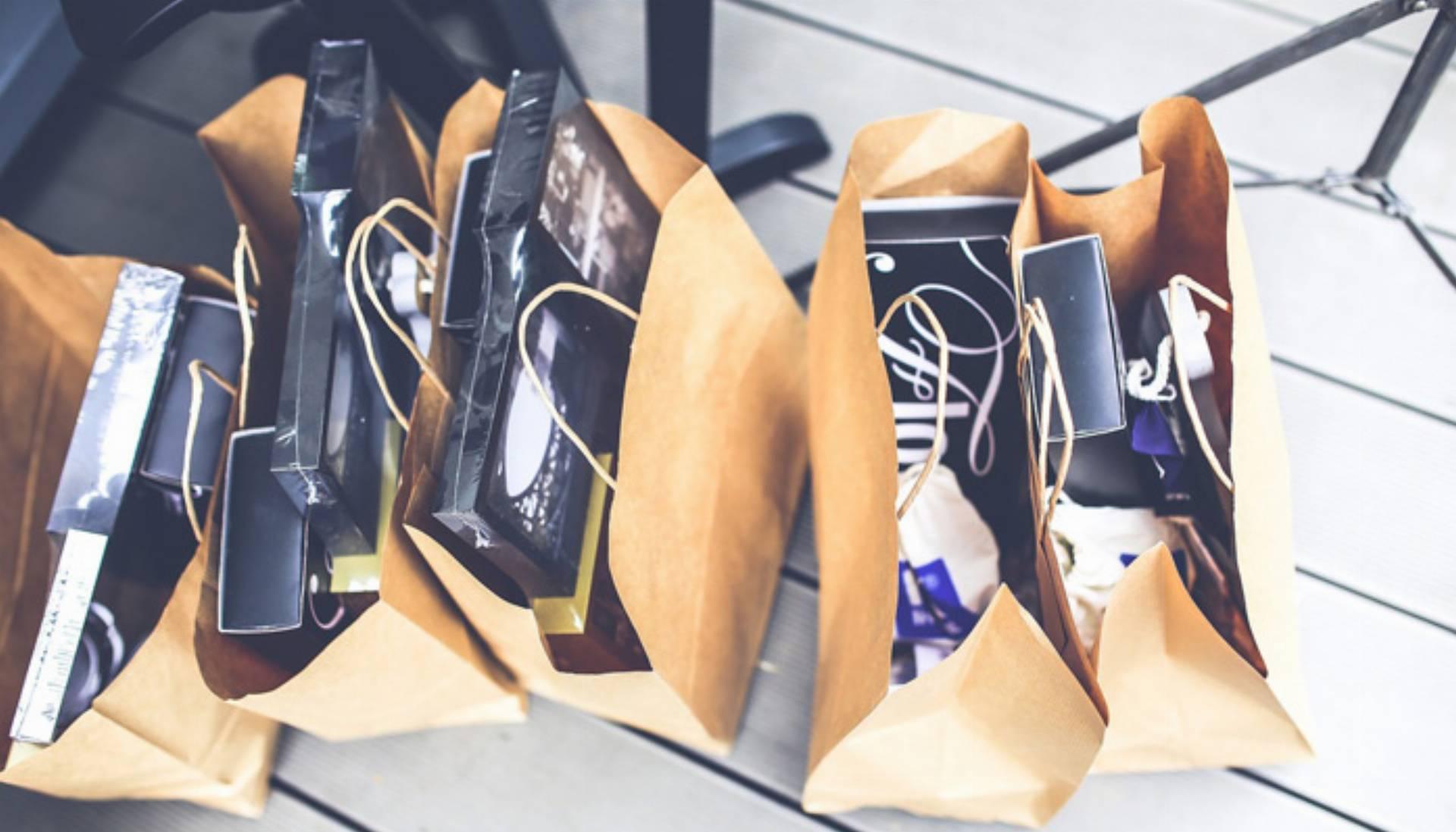 jak kupować na wyprzedażach, zakupy, sale, wyprzedaż, torby