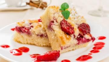 Ciasto drożdżowe z malinami i z kruszonką