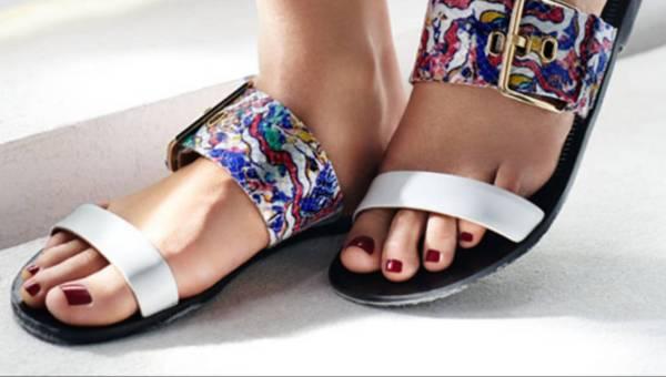 Sandały damskie – obowiązkowe latem!