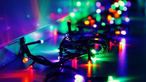 Inspiracje DIY – Klimatyczne oświetlenie lampkami choinkowymi przez cały rok