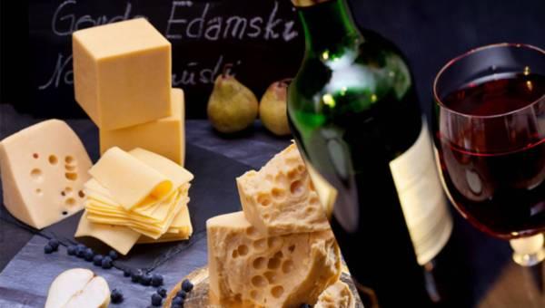 Ser i wino – jak połączyć, aby smakowało?