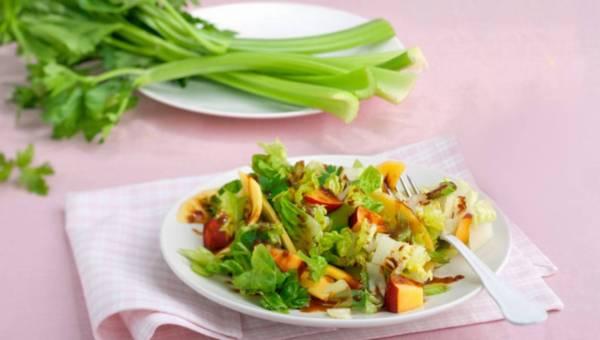 Łatwa i szybka Sałatka z nektarynką i mango
