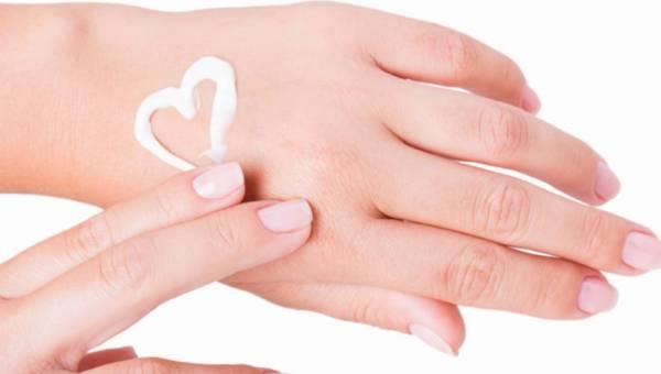 Porady eksperta: Jak dbać o dłonie jesienią?