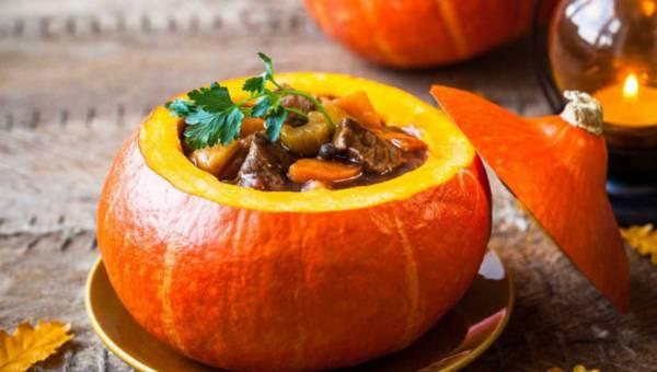 Dla wegetarian: Złocisty gulasz z warzyw