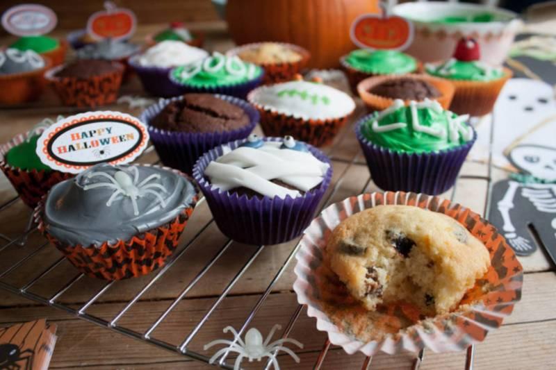 Halloween_Muffiny_pomaranczowo_sliwkowe