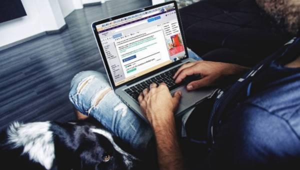 Problem z zajściem w ciążę? Sprawdź, Czy Twój partner trzyma laptopa na kolanach!