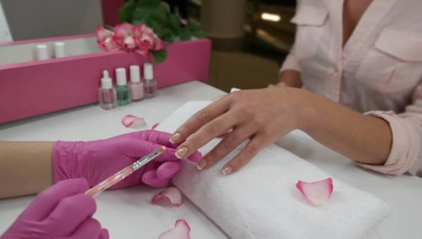 Kącik blogerek: Manicure japoński na czym polega – zdrowe i szybko rosnące paznokcie