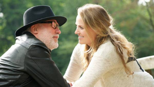 Starsze kobiety odstraszają mężczyzn! Czy jest szansa na romans po 40-tce?