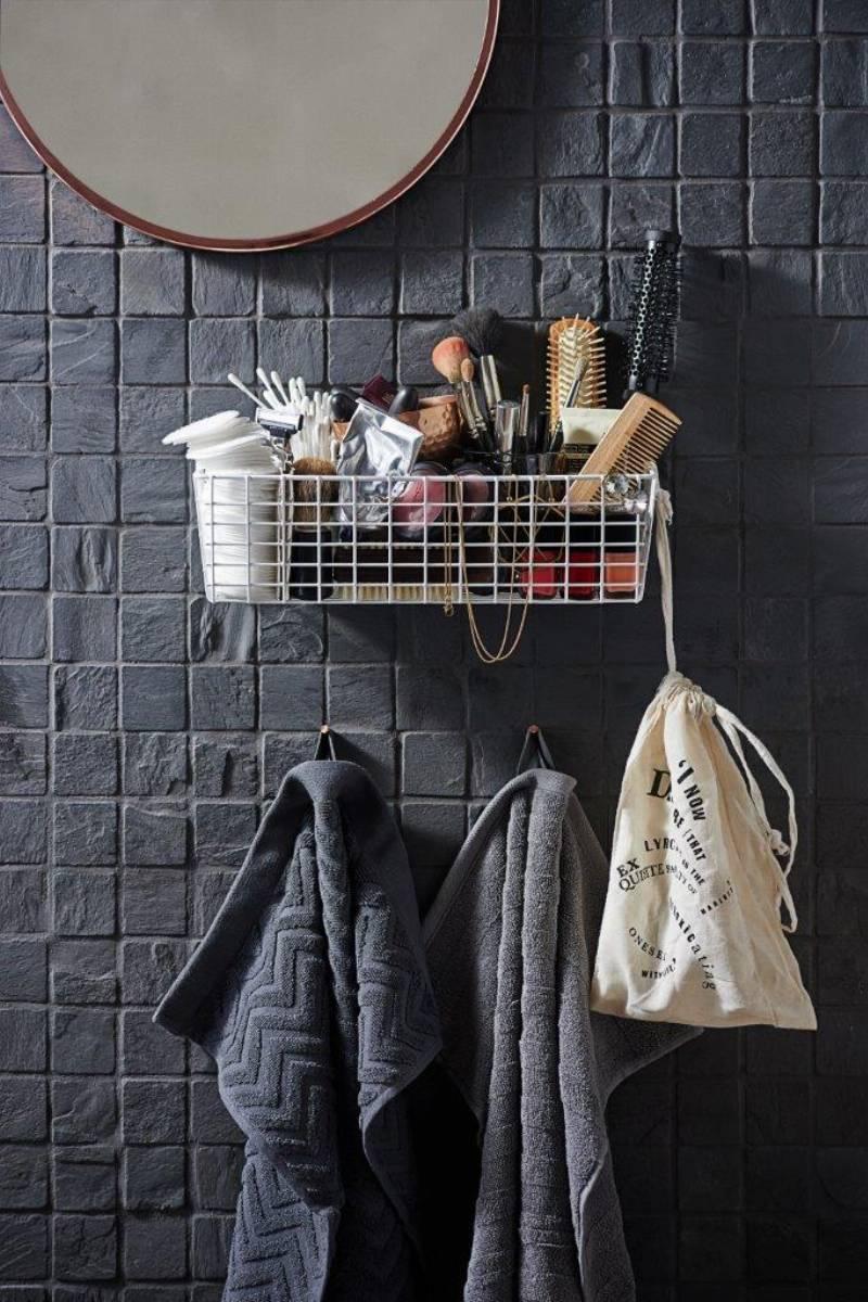 Bathroom Organiser_Before