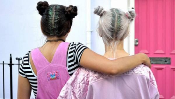 Fryzury – błyszczące odrosty to nowy trend na czas świąt