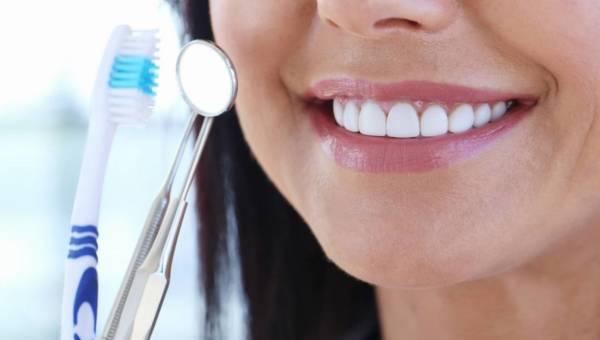 Wybielanie zębów – tego nie rób!