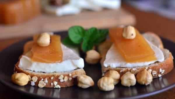 Kulinarna przygoda: owoc pigwowca w serowych melodiach