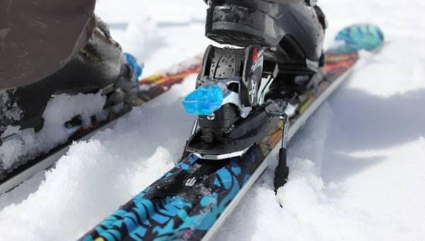 Dlaczego warto uprawiać sporty zimowe i  zacząć jeździć na nartach i snowboardzie?