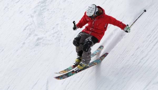 Ranking najpopularniejszego sprzętu zimowego: narty, snowboard, buty