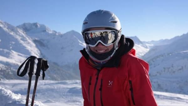 Na zimowe szaleństwo wybrać narty czy snowboard? Poradnik dla początkujących