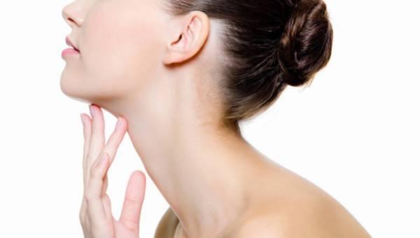 Jak dbać o skórę szyi, by dłużej zachowała młodość?