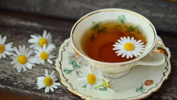 Pielęgnacyjne zabiegi z herbaty idealne przed Sylwestrem