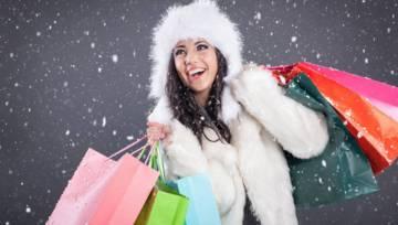 Promocje przedświąteczne czy zimowe wyprzedaże? Kiedy i co kupować online?