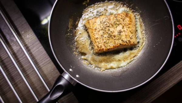 Eksperci radzą: Jak wybrać najlepszy tłuszcz do smażenia potraw?