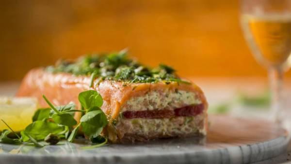 Łatwa sylwestrowo – karnawałowa przekąska: Terrina z wędzonego łososia