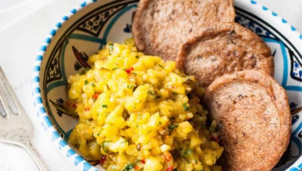 Dla wegetarian: Placuszki gryczano-śliwkowe z salsą egzotyczną