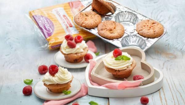 Muffiny z malinami i białą czekoladą