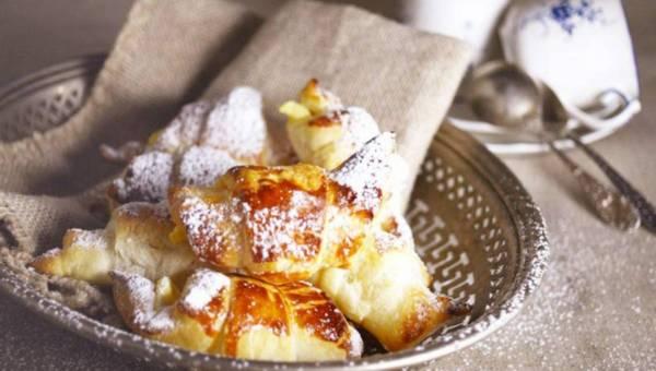 Łatwe rożki z ciasta francuskiego z twarożkiem mandarynkowym i cynamonem
