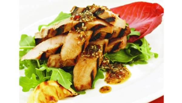 Smażone steki z tuńczyka z dżemem z chili