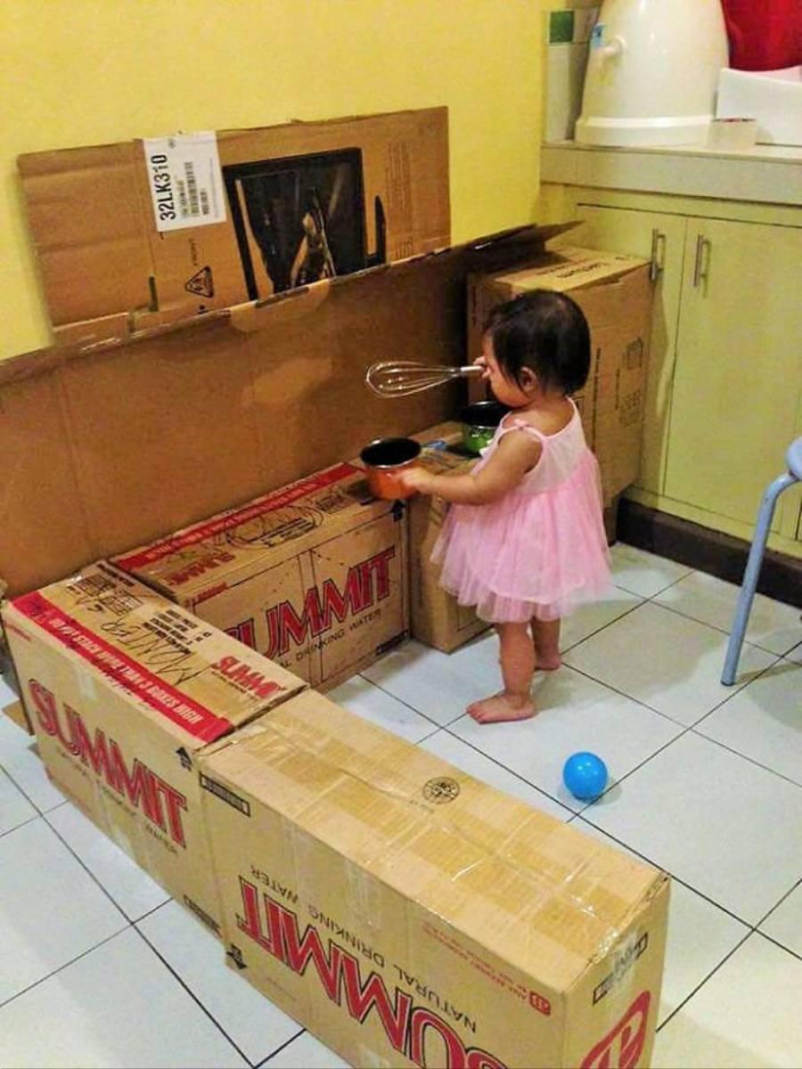 Inspiracjie DIY Zabawkowa kuchnia dla dziecka  KobietaMag pl -> Kuchnia Drewniana Dla Dzieci Diy