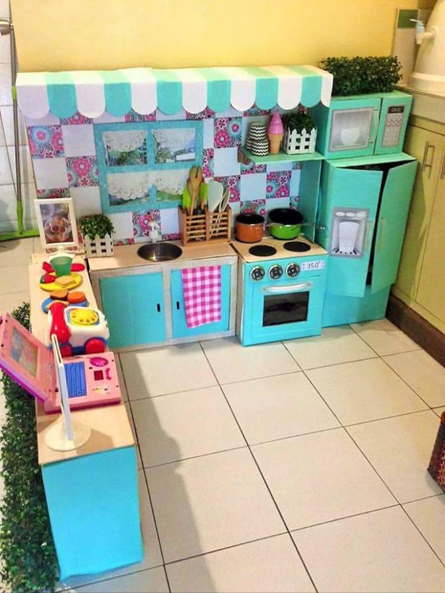 Inspiracjie DIY Zabawkowa kuchnia dla dziecka  KobietaMag pl