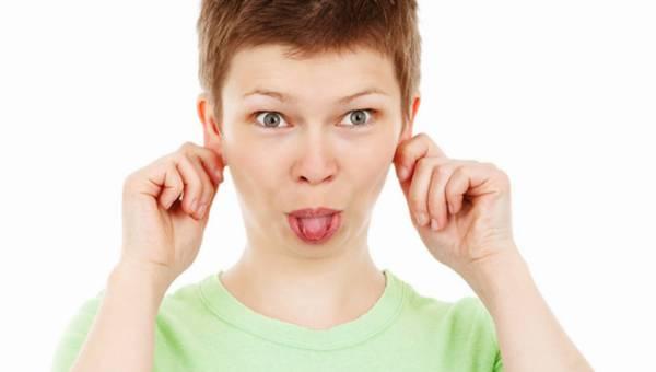 Bakterie na języku – dlaczego warto go czyścić?