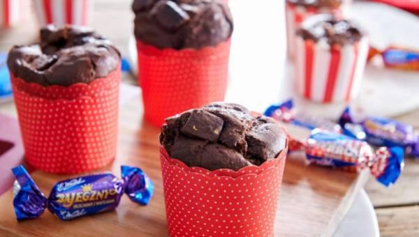 Muffinki czekoladowe z cukierkami z Mieszanki Wedlowskiej