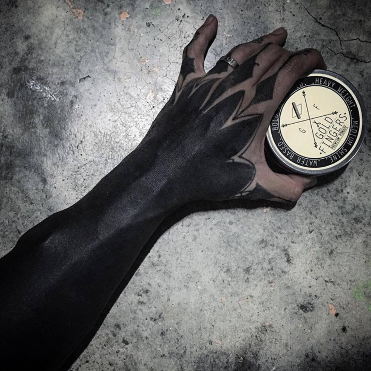 Tatuaż blackout_5
