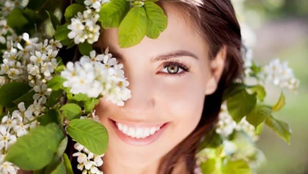 3 niezbędne kosmetyki w Twojej kosmetyczce na majówkę