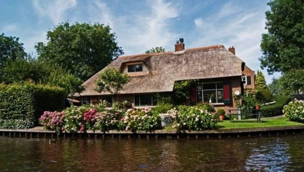 Holenderska Wenecja, czyli bajkowa wioska  bez dróg