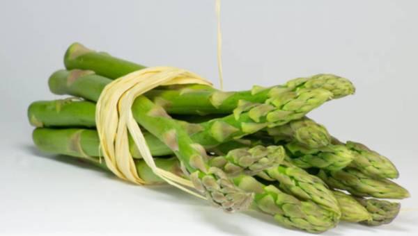 6 powodów, dla których warto jeść szparagi