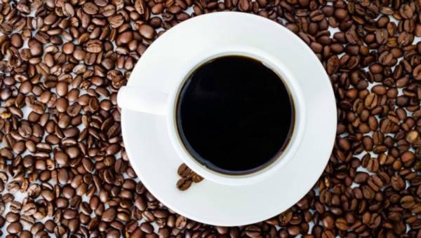 Lubisz espresso? Przeczytaj, co go odróżnia od zwykłej kawy!