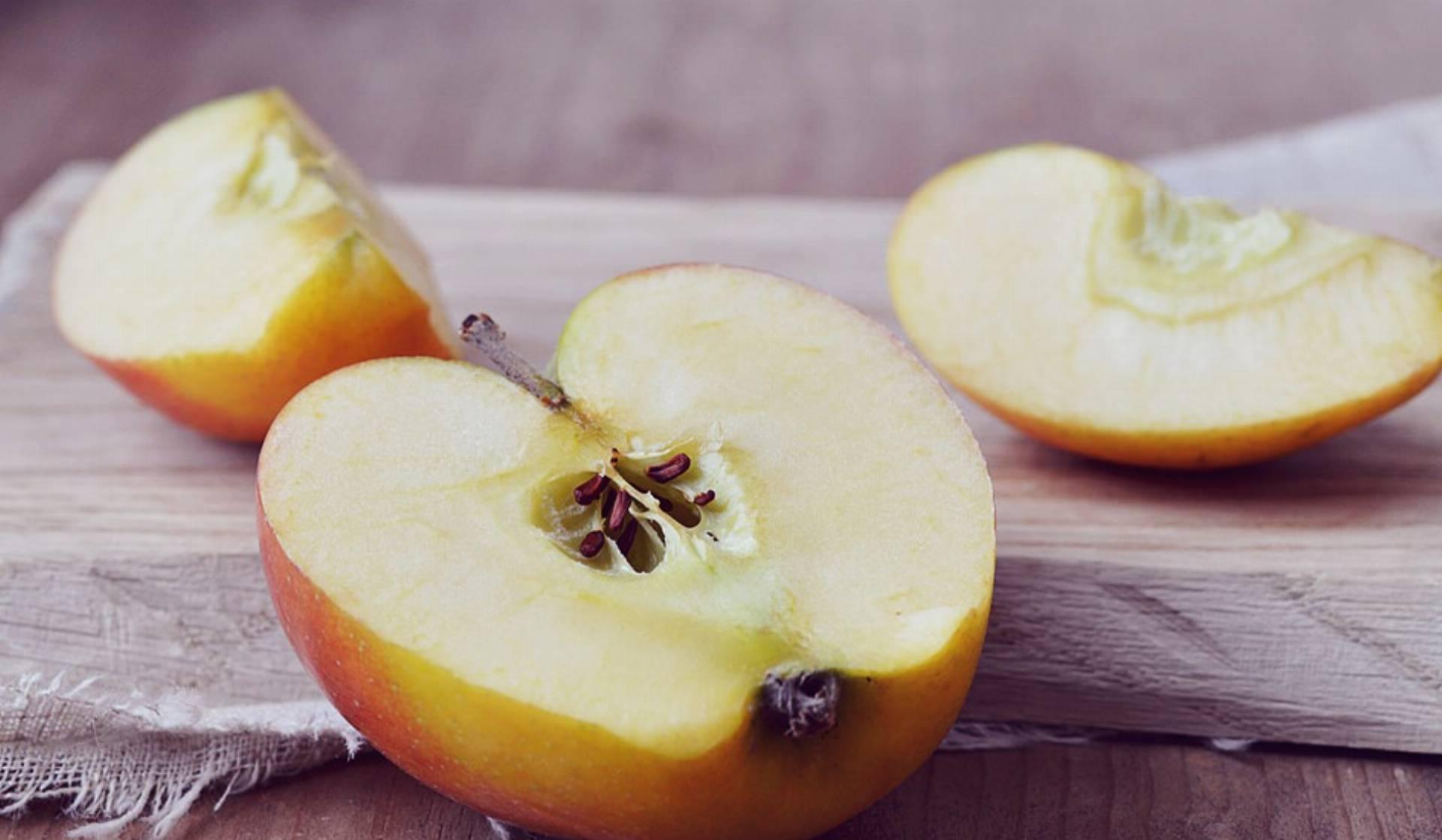 jabłka-na-opuchnięte-oczy