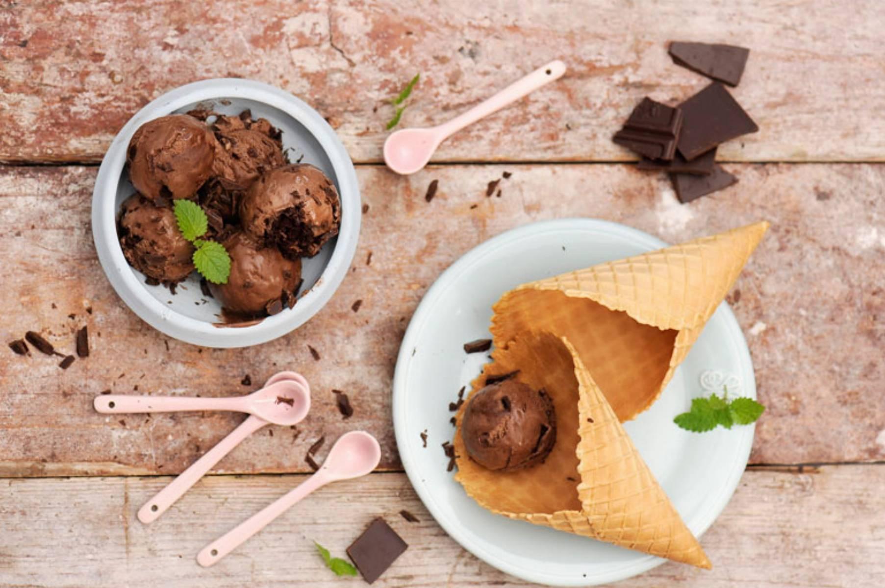 przepis-na-lody-sernikowo-czekoladowe