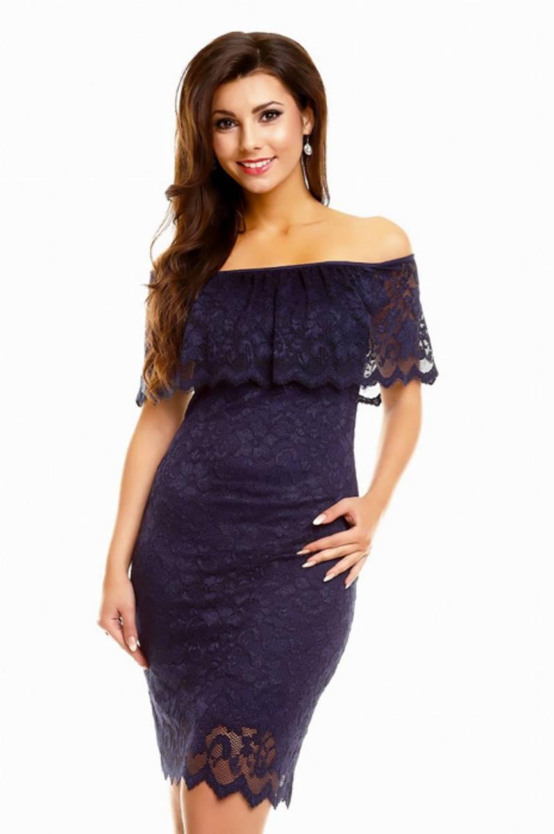 sukienka-z-odkrytymi-ramionami