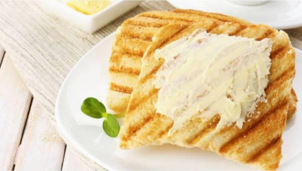 Masło czy margaryna? Czym smarować pieczywo? Jakie tłuszcze są zdrowe?