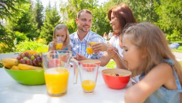 Zdrowe nawyki żywieniowe u dzieci – jak ich uczyć?