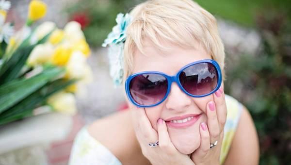 Menopauza – jak sobie z nią radzić? Poradnik kobiety 45+