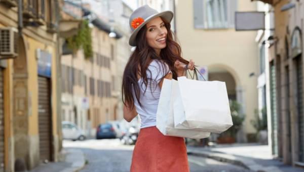 Ekspert radzi: 7 porad jak kupować na wyprzedażach, by nie stracić